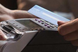 Un paiement par carte sans contact