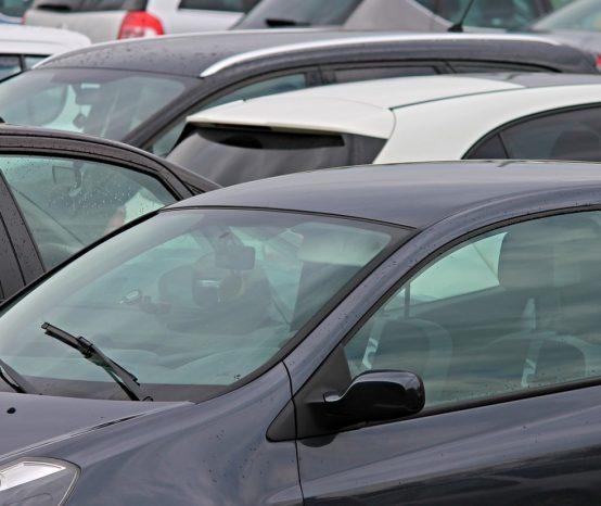 Le suivi GPS de voiture de société pour surveiller l'activité du parc auto